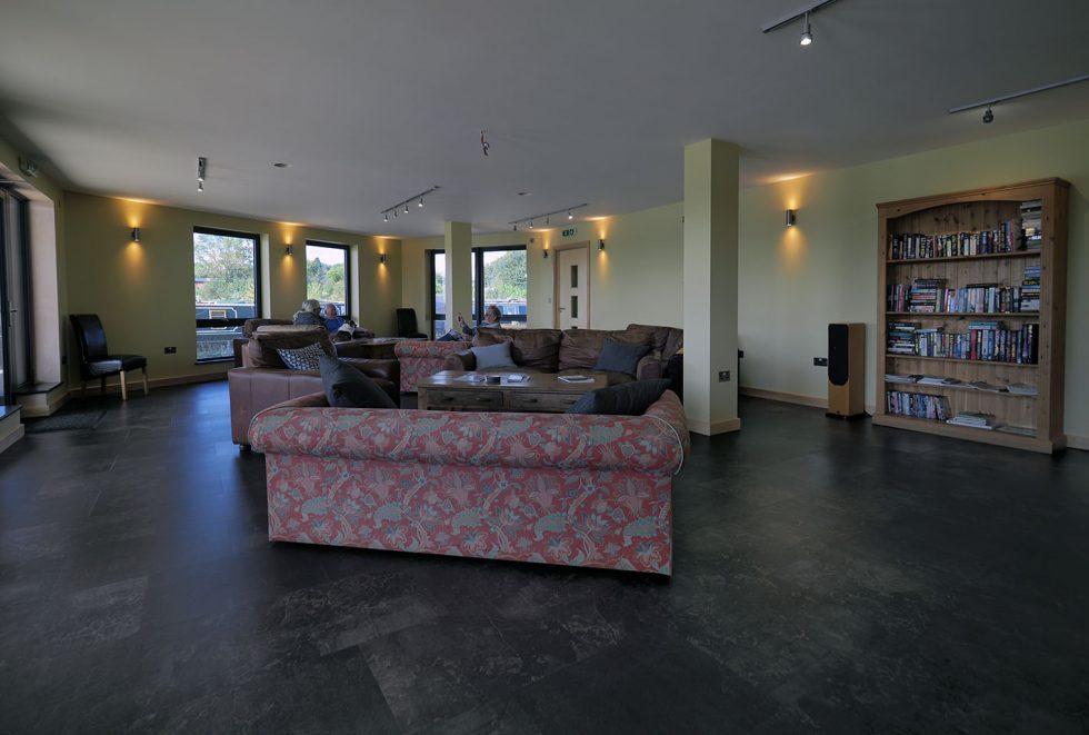 Moorer's Lounge